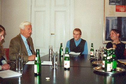 Schüler im Gespräch mit Dr. Richard von Weizsäcker