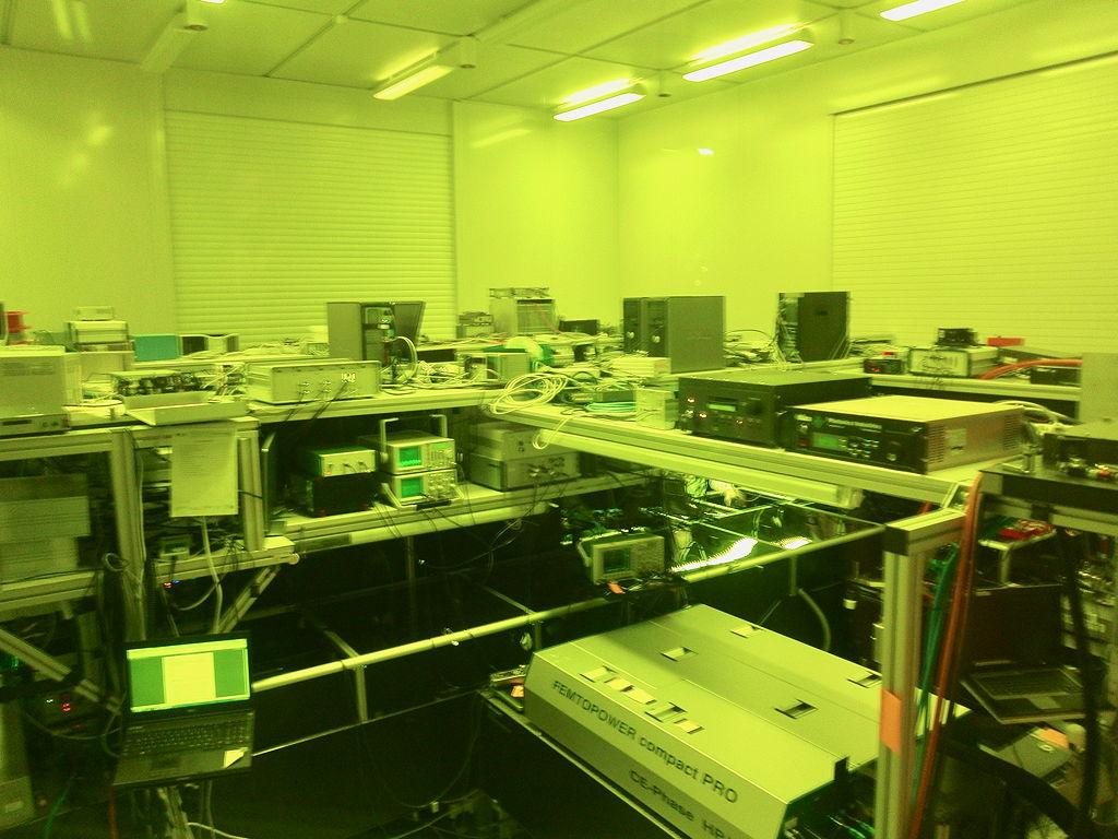 Dafür ist das Max-Planck-Institut für Quantenoptik sehr bekannt: das Gerät, das Attosekundenpulse erzeugen kann.