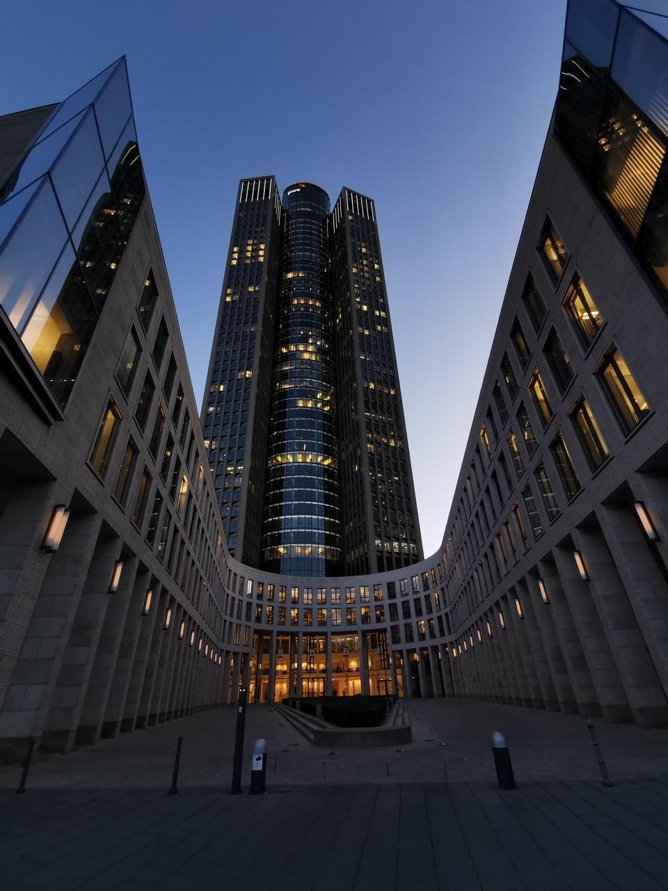 Tower 185 der Wirtschaftsprüfungsgesellschaft PricewaterhouseCoopers