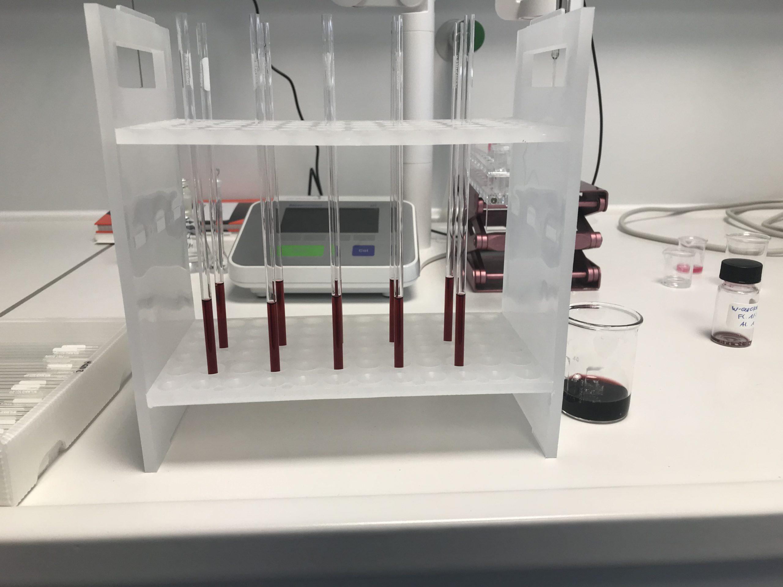 NMR-Röhrchen mit Wein