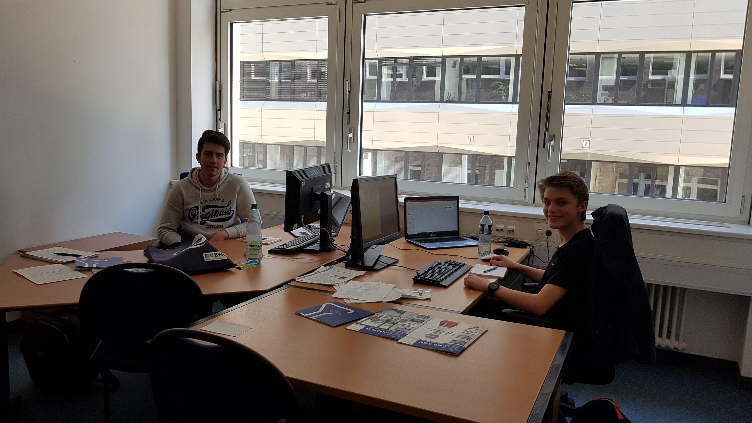 Paul und Joost am Arbeitsplatz