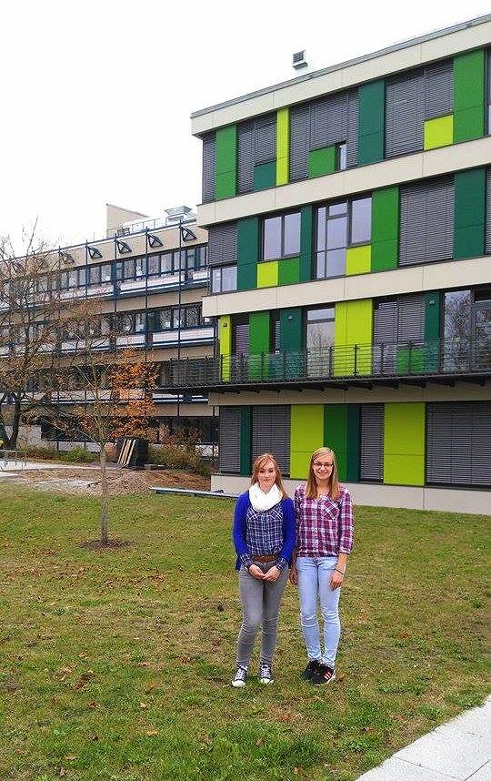 Vor dem Institut
